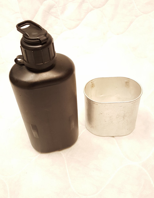Swiss M84 Canteen with Cup