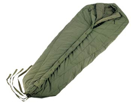 GI ISSUE INTERMEDIATE COLD SLEEPING BAG  USED GOOD
