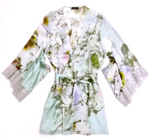 SILK WITH LEAVERS LACE PRINTED YUKATA ROBE WITH LACE TRIM GARDENIA