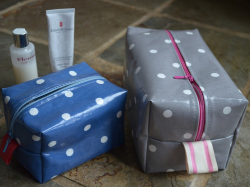 Oilcloth Wash Bag at The Sewing Cafe - Sewing workshop