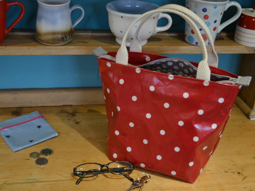 Oilcloth Hand Bag at The Sewing Cafe - Sewing workshop