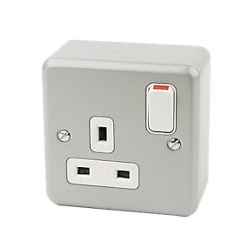 13A 1-Gang Switched Plug Socket Metal-Clad