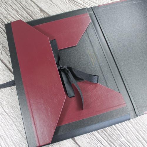 A3 Burgundy & Black Art Portfolio / Cachet Portfolio