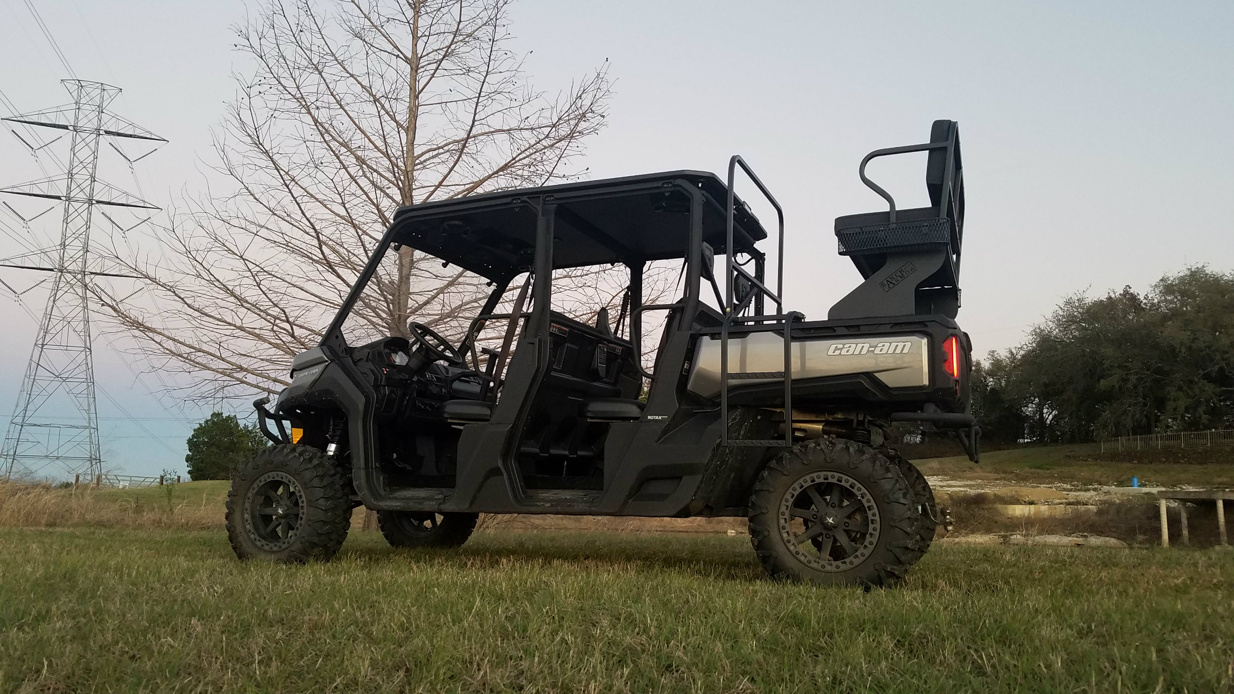 canam-defender-high-seat-hunting-rack.jpg