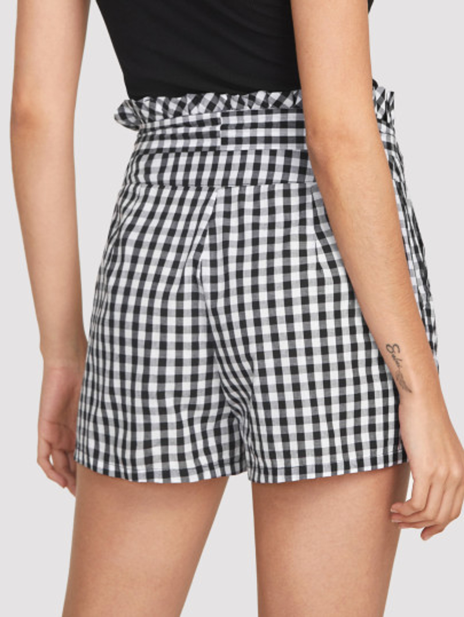 Fifth Avenue Women's Frill Waist Gingham Shorts - Black and White
