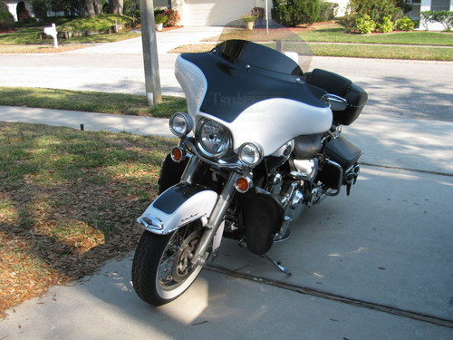 "Black Paint Batwing GPS Fairing with 6""x 9"" Speakers and Stereo Harley Davidson Road King Standard"