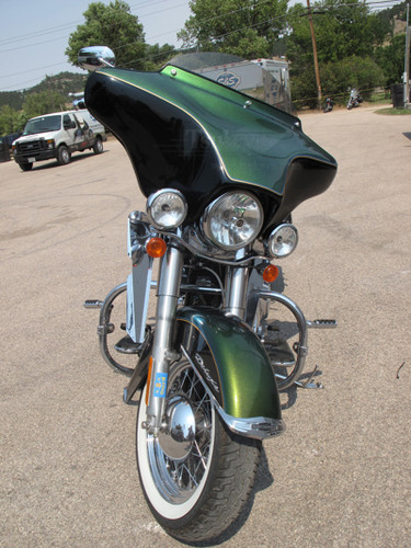 """Black Paint Batwing GPS Fairing with 6""""x 9"""" Speakers and Stereo Harley Davidson Heritage Softail Classic"""