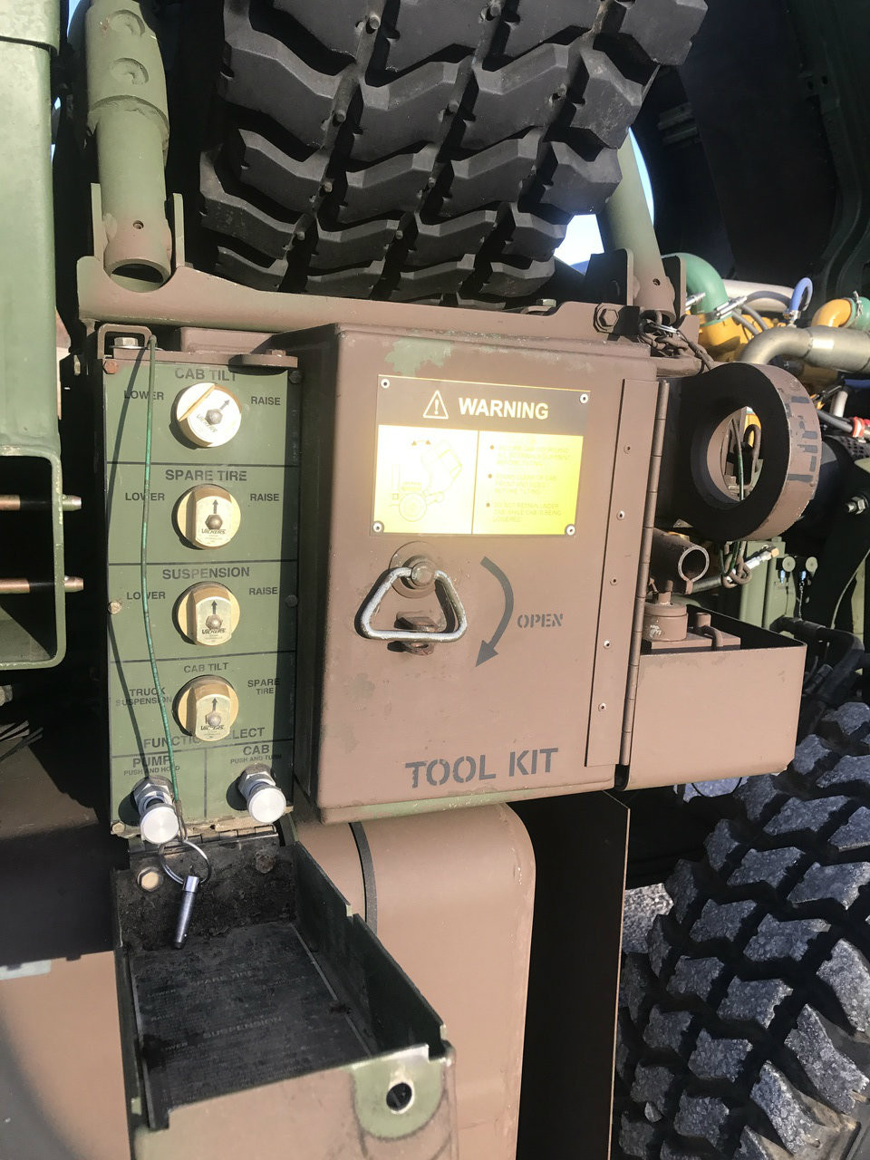 1996 2 1/2 Ton Stewart & Stevenson M1078 4X4 LMTV