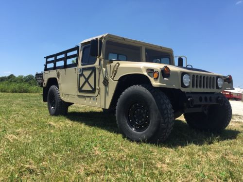 Humvee 2 Man 1/4'' Aluminum Hard Top and Fiberglass Door Kit