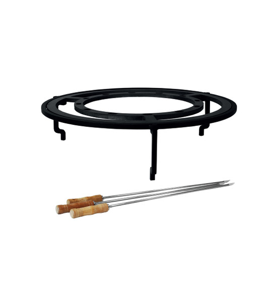OFYR BRAZILIAN GRATE VERTICAL SKEWERS. Placed over an OFYR  re, the horizontal skewers set is equipped with a set of three skewers, a skewer ring and a specially designed stand. The notched stand is just the right height for meat and vegetables to cook to perfection