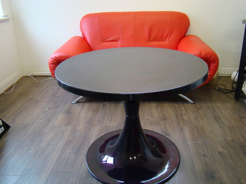 1960`s Tulip Style Large Round Face Table Black Glitter