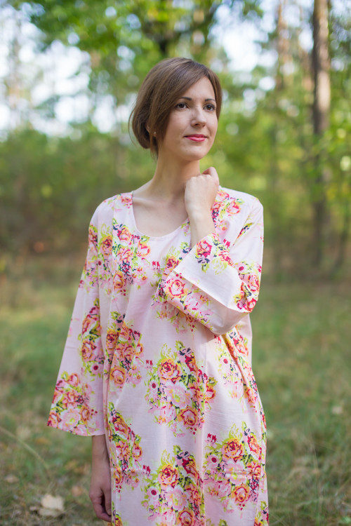 """The Unwind"" kaftan in Floral Posy pattern"