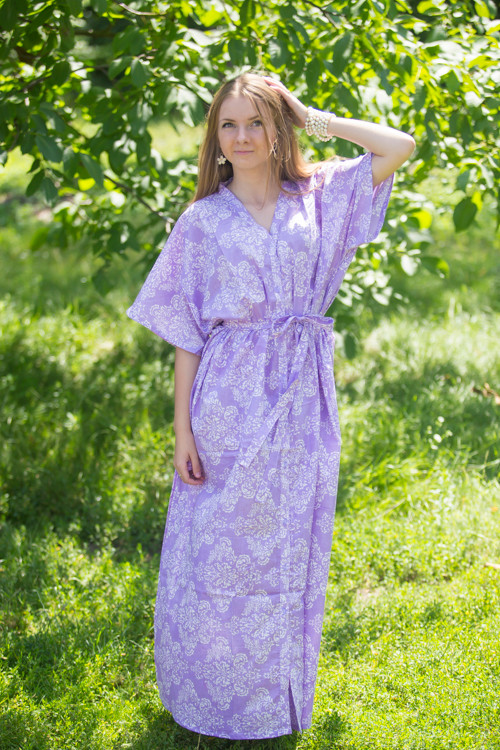 """Best of both the worlds"" kaftan in Damask pattern"