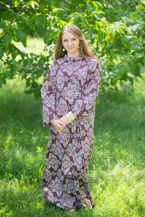 """Charming Collars"" kaftan in Damask pattern"