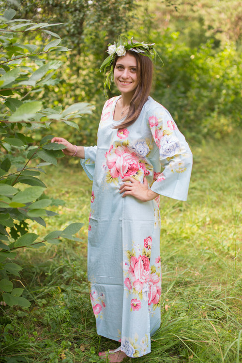 """The Unwind"" kaftan in Cabbage Roses pattern"