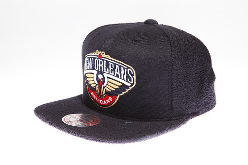 half off 45794 c9aa2 New Orleans Pelicans Logo Flannel Mitchell   Ness Snapback Hat