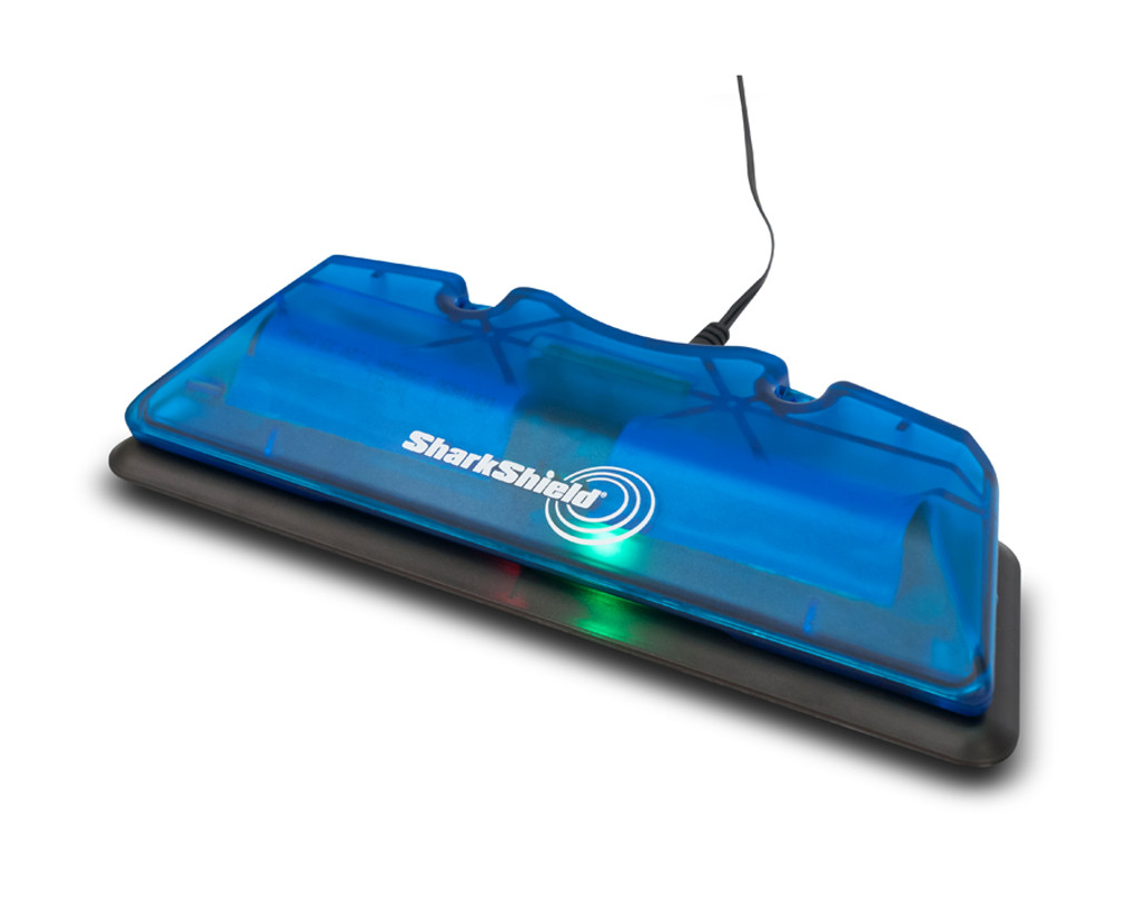 Rechargeable long battery life of 4-5 hours, fast re-charge time Optional 12v DC car and boat charger available.