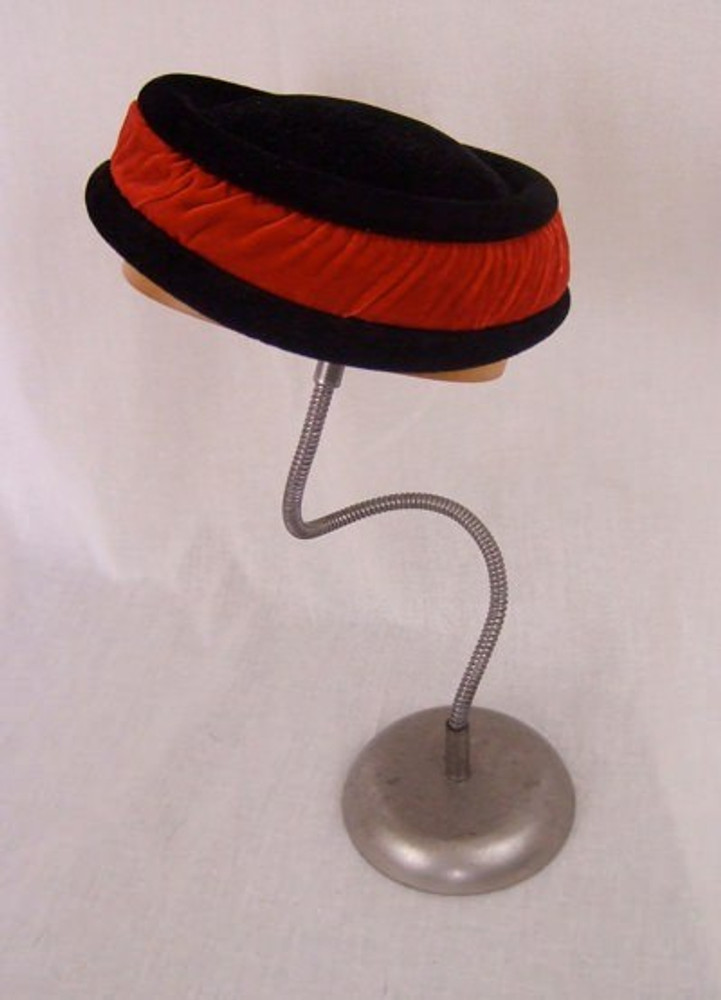 1930s HC Capwell Co. black fur velour hat with red velvet band