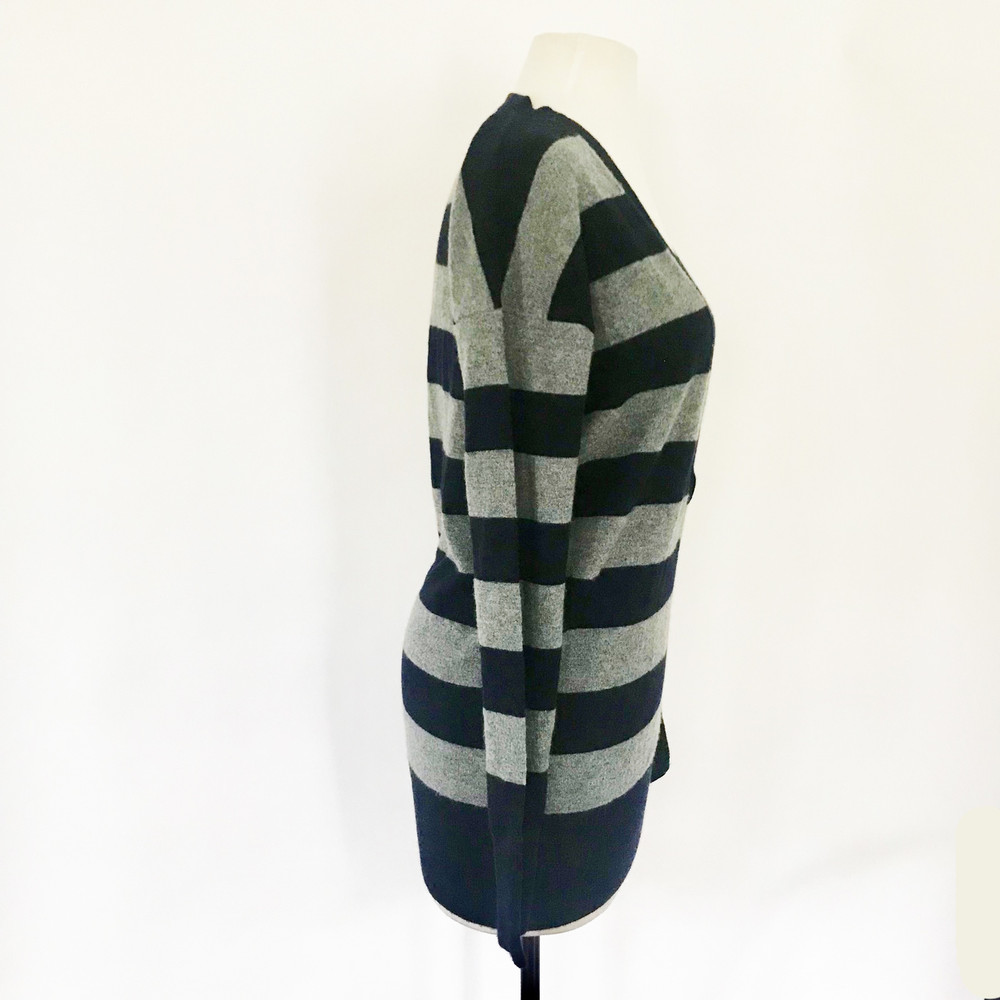 Vince 100% Cashmere V Neck Striped Sweater