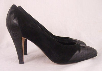 New Andrea Pfister Black Suede and Leather Pumps