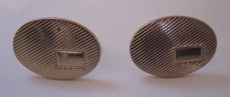 Vintage Oval gold ribbed cuff links