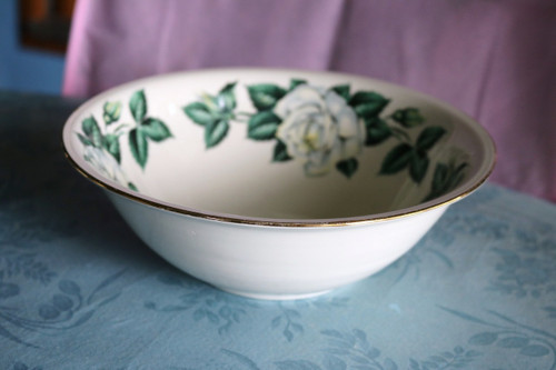 Round Vegetable Serving Serving Bowl - D0335