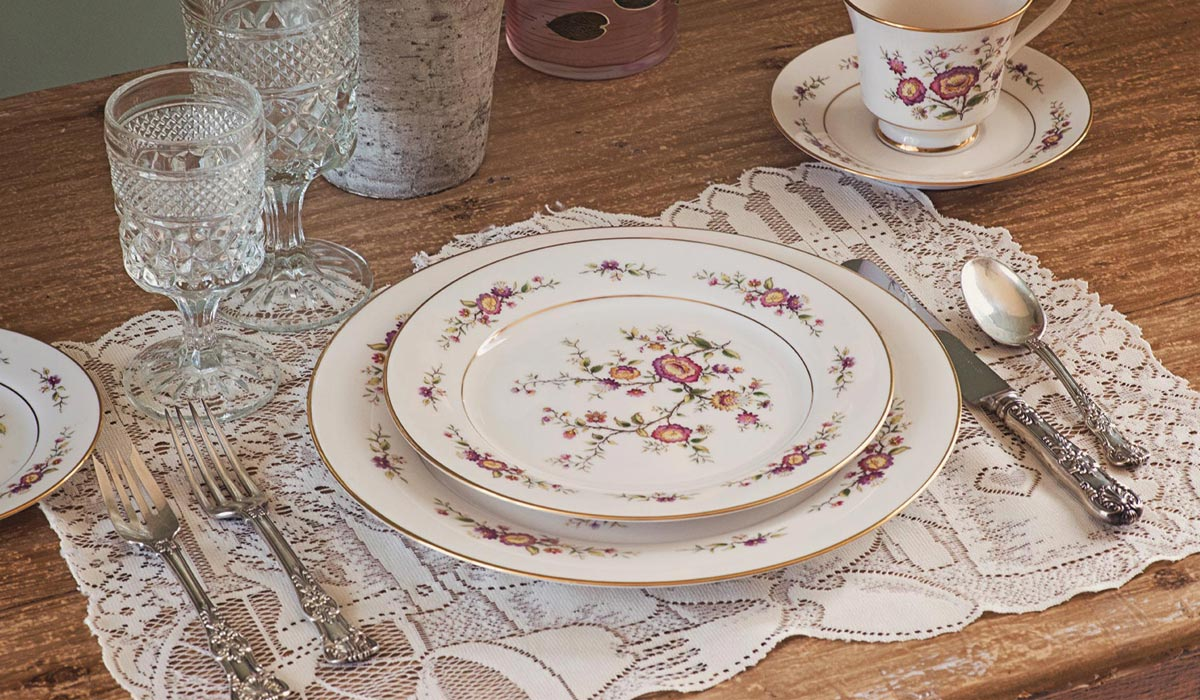 Really Truly Vintage & Mile-A-Way Dinnerware Antiques u0026 Collectibles | Retailer of ...