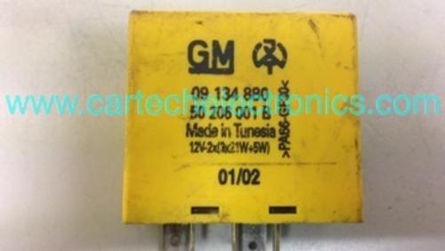 Vauxhall Open Indicators Hazard Relay 09 134 880 09134880 50 206 001 B 50206001B