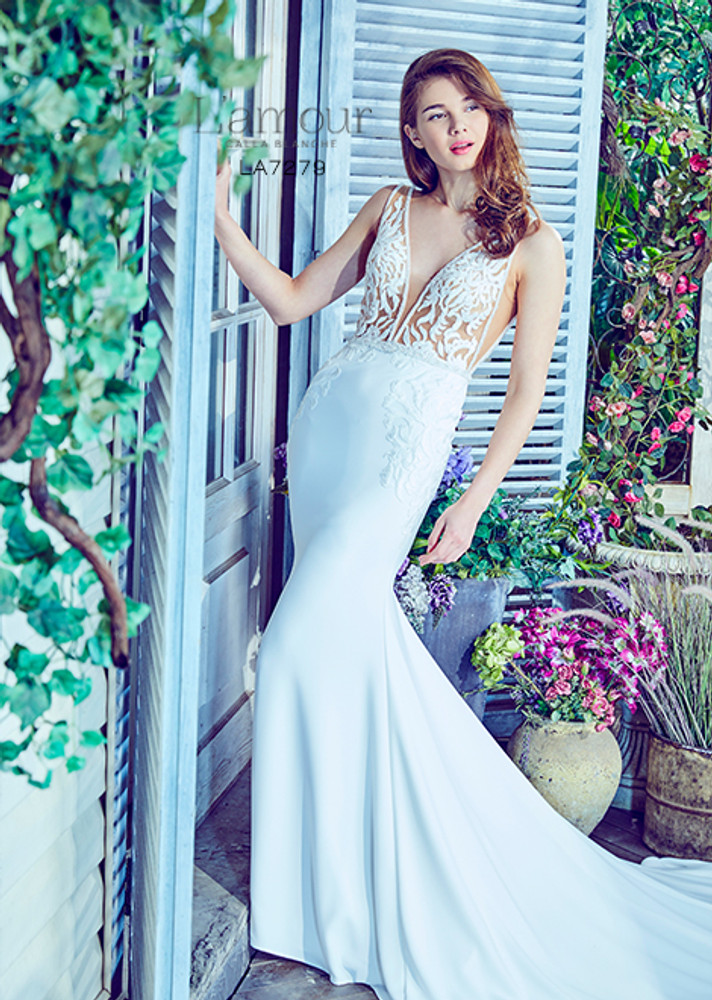 Our Top Suggestions For Beach Wedding Dresses Fashionably Yours