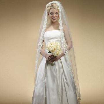 Floor Length Bridal Mantilla Veil with Lace