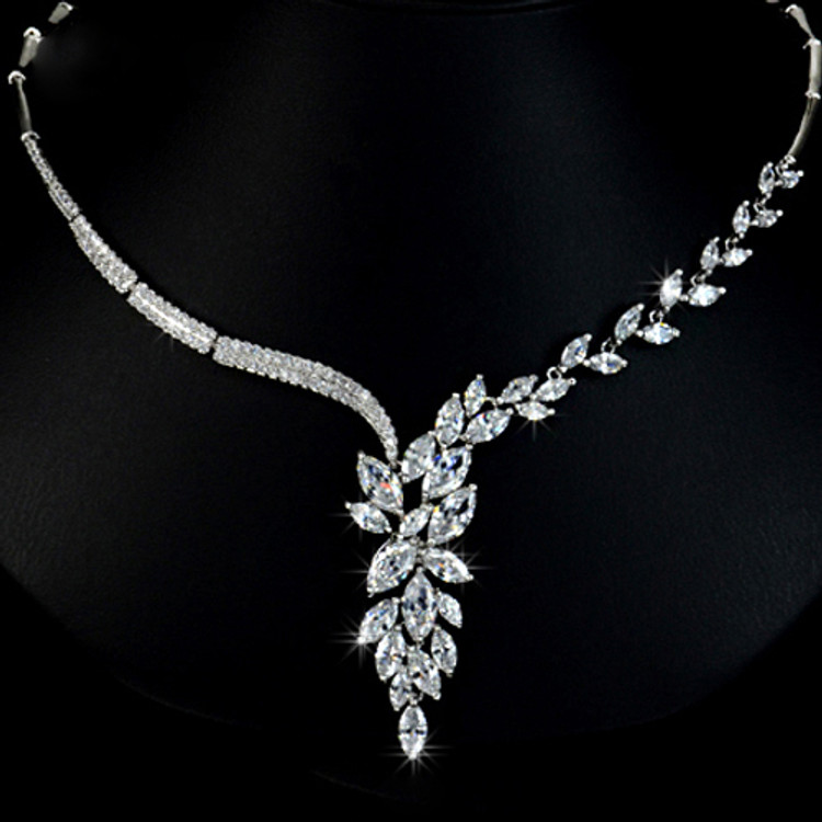 Leaf Link Chain Necklace