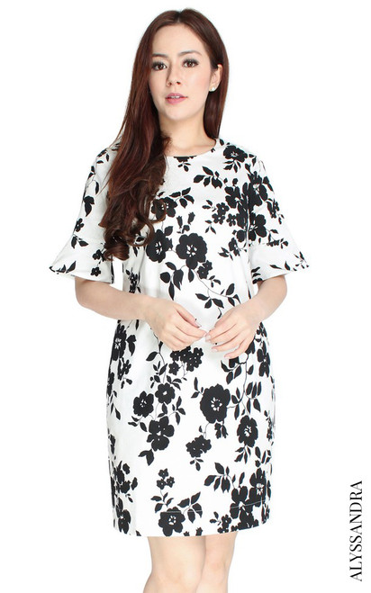 Flared Sleeves Shift Dress - White