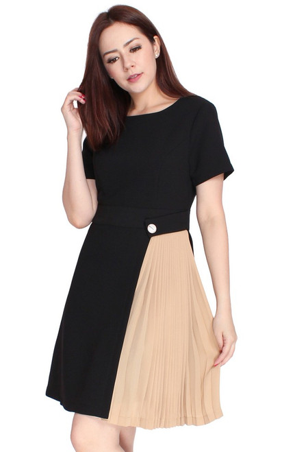 Contrast Pleated Side Panel Dress