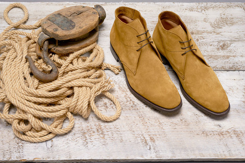DACK'S CHUKKA BOOT - A MUST