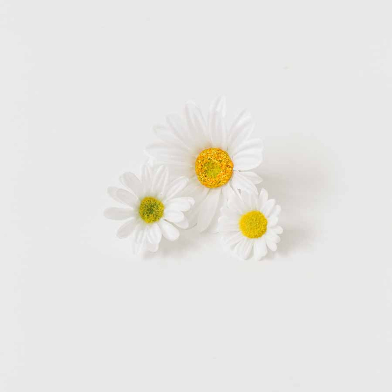 Daisy flower heads great for embellishing any craft project bd sku flower daisy white izmirmasajfo