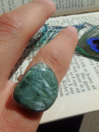 Seraphinite Soothing Angel Feathers Ring in Sterling Silver (Size 8)