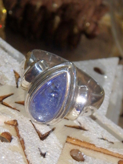 Optical Lilac Tanzanite Ring in Sterling Silver (Size 7)
