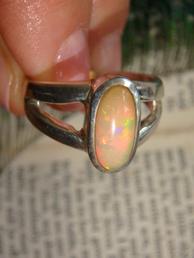 Glimmering Red Golden Green Flash Ethiopian Opal Ring In Sterling Silver (Size 9)