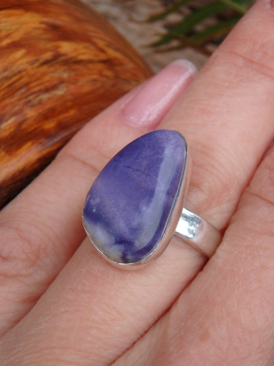 Fantastic Jelly Bean Purple Tiffany Stone Ring in Sterling Silver (Size 8)