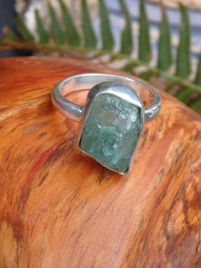 Gemmy Raw Blue Apatite Ring in Sterling Silver (Size 7.5)