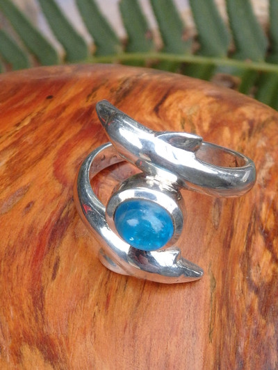 Sweet Double Dolphin & Electric Blue Apatite Ring in Sterling Silver (Size 7.5)