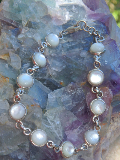 Beautiful Pearl Glow Shell Bracelet in Sterling Silver (Adjustable Size 7.5-8.5 inches)
