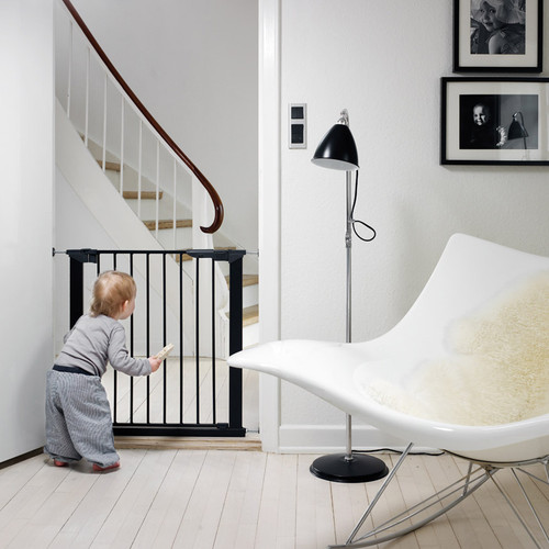 Babydan Premier True Pressure Fit Safety Gate - Black (73.5 - 79.6cm; Max 119.3)
