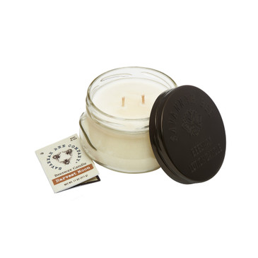 The pumpkin, cinnamon, nutmeg, vanilla, and a sprinkle of orange zest in our Harvest Moon Candle melt together to conjure thoughts of family and friends gathering to give thanks to life's many blessings.