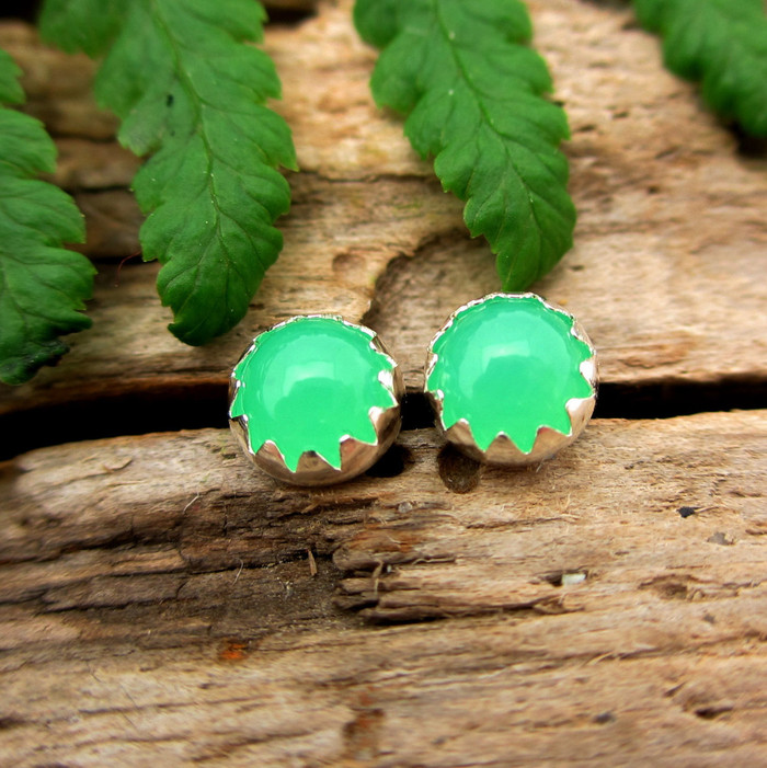 chrysoprase stud earrings A grade