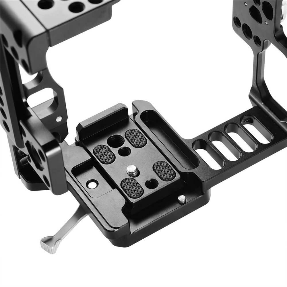 SmallRig Camera Cage for Sony A7II/ A7SII/A7RII with Battery Grip 2031