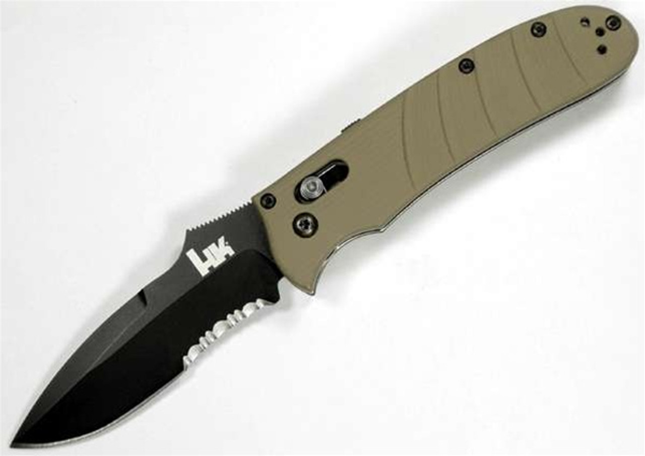Benchmade H&K Snody Auto Axis Knife, Spear Point Combo Edge, Sand Handle