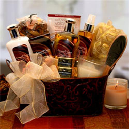 Caramel & CrÌ_ÌÇÌ__Ì_åÇåÎåâÌ_ÌÇåÎÌàÌ_åÇåÎåme Bliss Spa Gift Basket