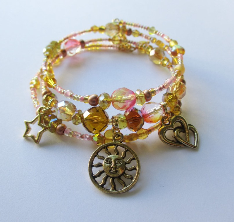 """The love duet from Siegfried, inspires this bracelet composed of the colors of the dawn: """"Heil dir Sonne""""."""
