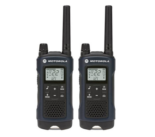FRS/GMRS radios supports 22 channels and 121 privacy codes per channel with up to 35 miles of range with this Motorola T460.